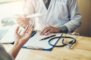 Firma Sanofi udzieliła redakcji rx.edu.pl szczegółowej odpowiedzi, jak powinno przebiegać zgłoszenie dotyczące zamówienia leku Plaquenil(Shutterstock).