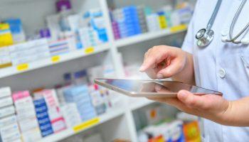 Redakcja chciała upewnić się, czy apteki mogą realizować takie recepty bez obaw, i czy NFZ nie będzie traktował ich jako nieprawidłowe(fot. Shutterstock).