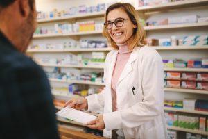 Stacjonarna apteka ogólnodostępna nie może świadczyć takiej usługi, gdyż nie znajduje się ona w ustawie Prawo farmaceutyczne (fot. Shutterstock).