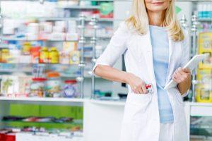 Zapisane zostało najmniejsze refundowane opakowanie leku, więc można je wydać ze zniżką zgodnie z § 18 ust. 2 rozporządzenia w sprawie recept lekarskich, które zacytowano w odpowiedzi (fot. Shutterstock).