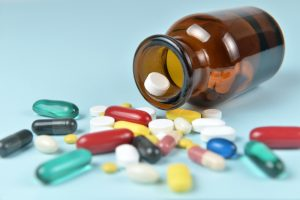 Farmakopea w ogóle nie podaje dawki dla czopków, więc nie należy jej kontrolować(fot. Shutterstock).