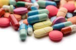 Najlepiej jest zaznaczać odpowiednik przez F9, czyli po kliknięciu na lek zapisany i najechaniu strzałką na lek wydawany (fot. Shutterstock).