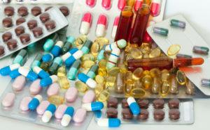 Takich recept nie trzeba poprawiać, ponieważ lekarz, stosując zapis ilości leku wyrażony poprzez liczbę jednostek dawkowania, nie wskazuje konkretnego opakowania i dobrze Państwu tłumaczy (fot. Shutterstock).