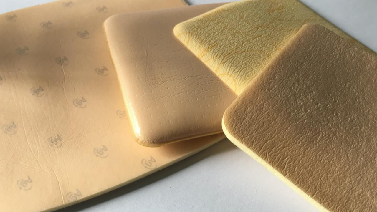 Opatrunek Aquacel Foam przy nieprezycyjnym dawkowaniu może być wydany tylko w ilości dwóch najmniejszych opakowań.