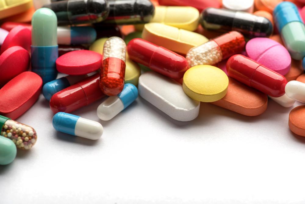 Lek Efferalgan Codeine zawiera kodeinę, czyli substancję odrzucającą z grupy III-N (fot. Shutterstock).