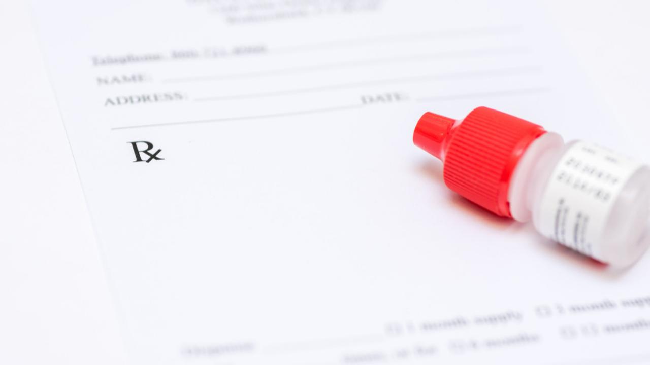 Realizacując e-receptę na krople Nodofree należy przeliczyć długość kuracji wg zapisanego dawkowania, z krórego wynika mniejsza ilość leku.