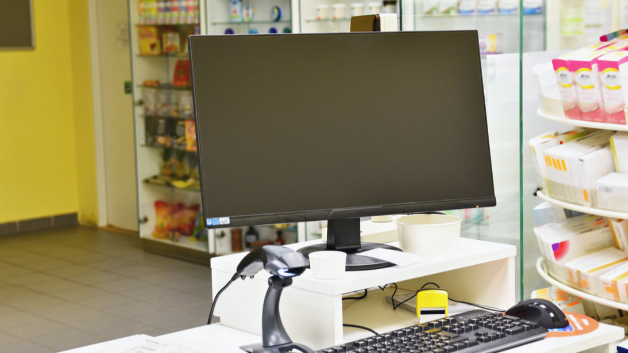 Wydanie nierefundowanego odpowiednika wymaga, żeby odpatność została zmieniona na 100%, niezależnie od wskazanej odpłatności na e-recepcie.