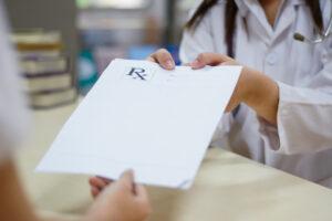 """Ważność wszystkich """"starych wzorów"""" została w aktualnym rozporządzeniu w sprawie recept wydłużona do 30.06 br. (fot. Shutterstock)."""