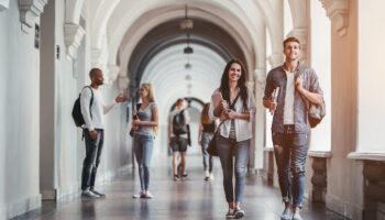 Studenci, którzy na stałe mieszkają w Wielkiej Brytanii i rozpoczęli studia w Polsce przed 31 grudnia 2020 r., nadal będą mogli leczyć się na koszt Wielkiej Brytanii (fot. Shutterstock).