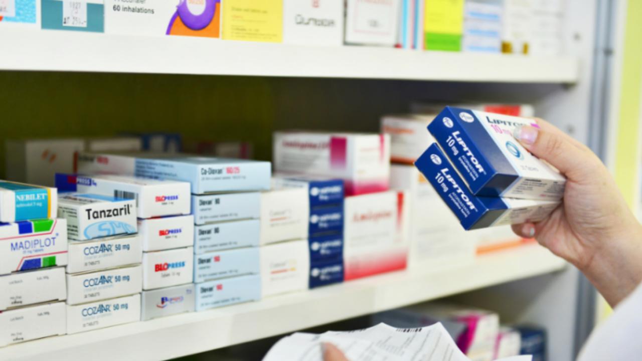 Zamiana leku Tegretol na Finlepsin, choć jest możliwa, nie powinna być przeprowadzana rutynowo, a jedynie w razie konieczności.