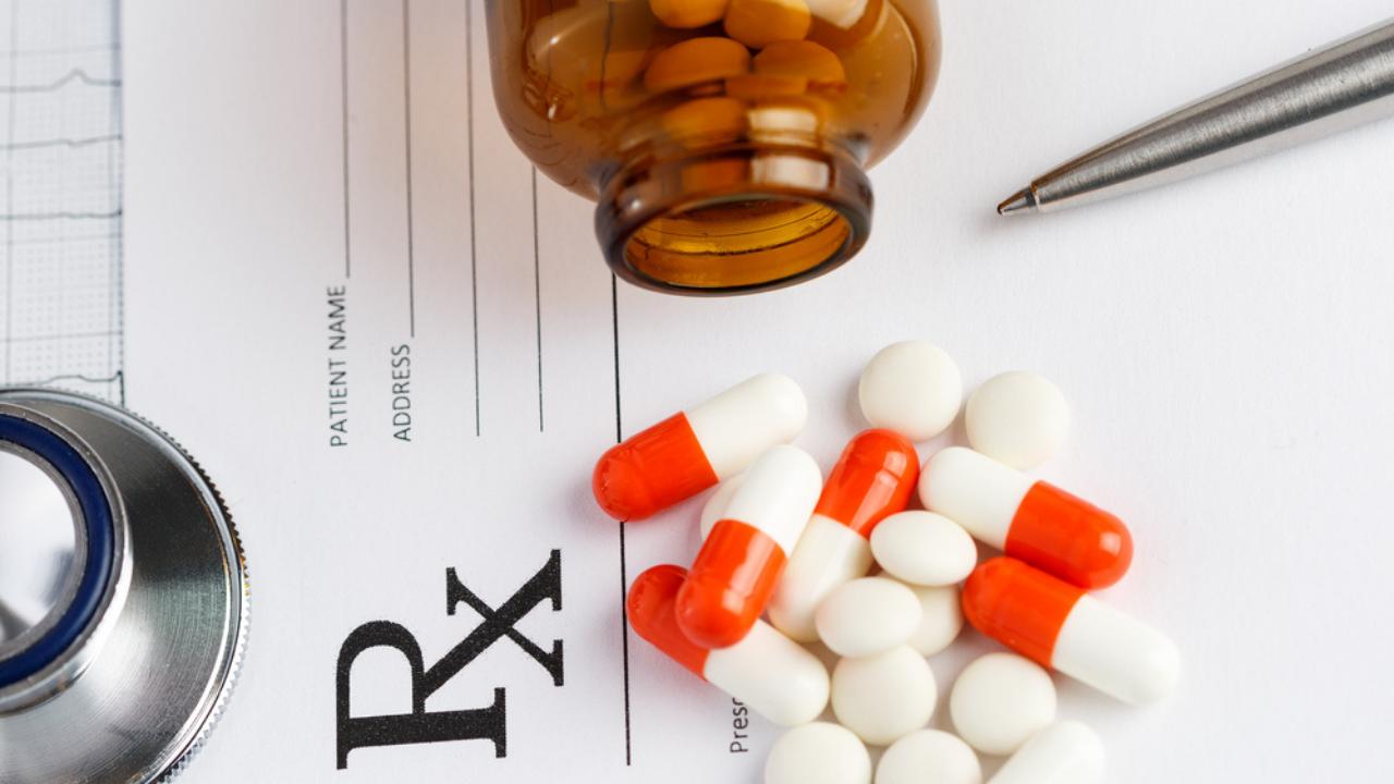 Eszopiklon to nowa substancja z grupy benzodiazepin, która na dzień 11 marca 2021 r. nie została włączona do grupy substancji psychotropowych.